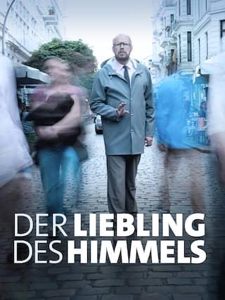 Dr. Magnus Sorel (Axel Milberg) geht eine Straße entlang.