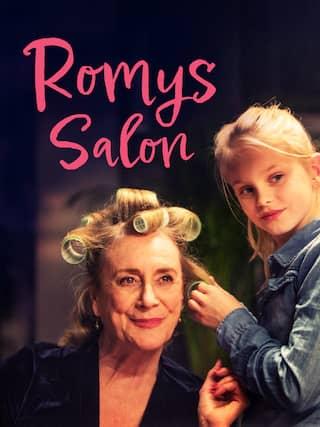 Romy (Vita Heijmen, r) verbringt viel Zeit mit ihrer Oma Stine (Beppie Melissen).