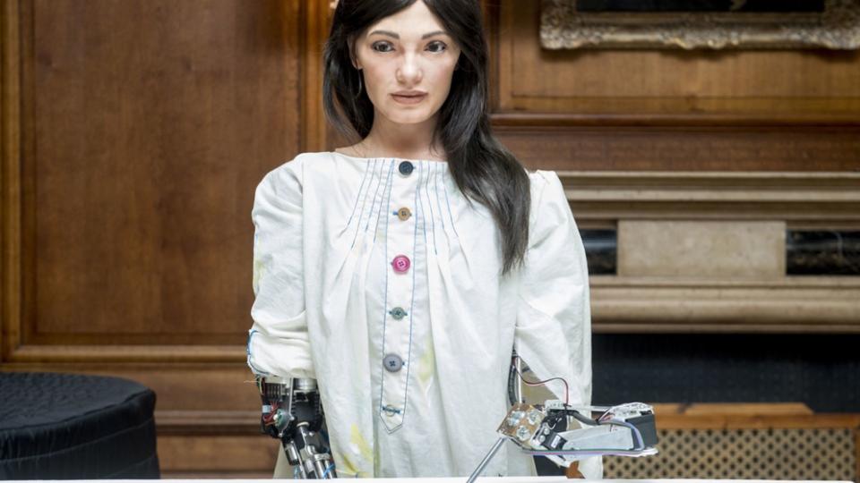 Weltweit erster humanoider Künstler-Roboter   Bild: picture-alliance/dpa