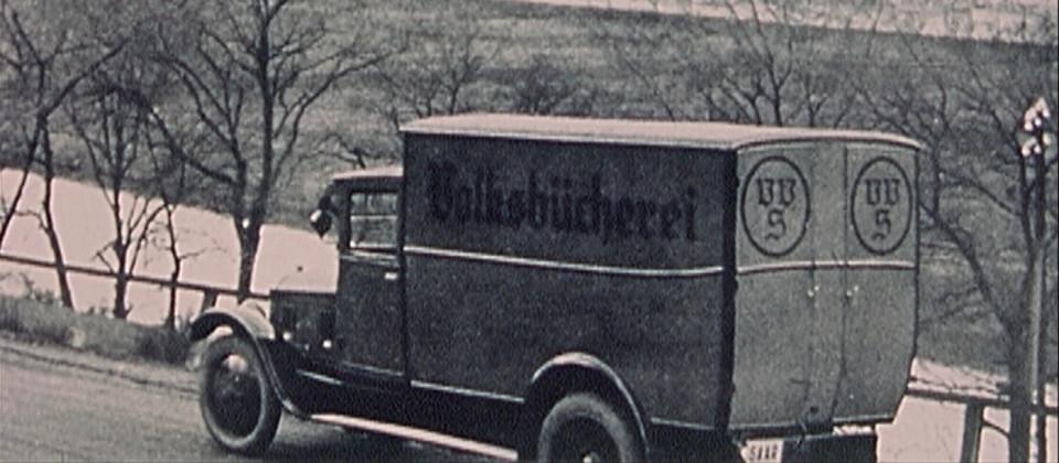 Ein Auto an der Saar in den 1920er Jahren