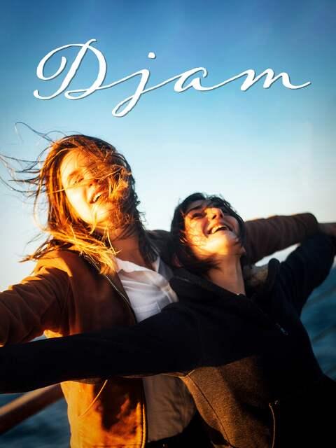 Djam (Daphné Patakia, l.) und Avril (Maryne Cayon)