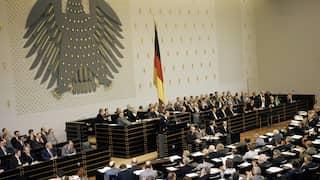 17.05.1974 Plenum im Bundestag in Bonn während der Regierungserklärung des neu ernannten Bundeskanzlers Helmut Schmidt.