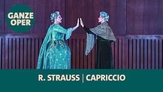 """Szene aus der Strauss Oper """"Capriccio"""": Camilla Nylund als Gräfin  und Jana Mesgarha als Cover-Gräfin"""