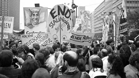 Demonstration am 4. November 1989 am Berliner Alexanderplatz. | rbb/ARD/Manfred Selle