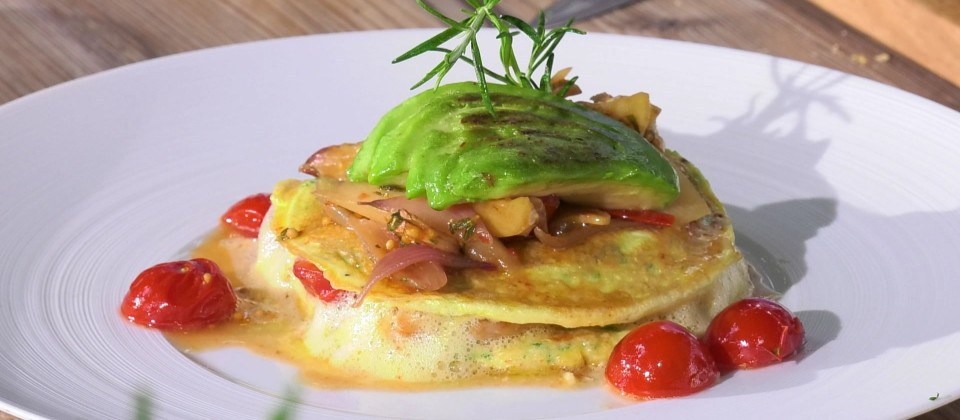 Omelette mit Spargel und Avocado