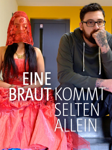 """Johnny (Paul """"Sido"""" Würdig) muss eine schnelle Entscheidung treffen. Die Braut (Michelle Barthel) spricht kein Deutsch, ist scheinbar von ihrer Hochzeit geflüchtet und bitte ihn um Asyl."""