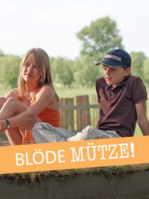 Silke (Lea Eisleb) und Martin (Johann Hillmann) kommen einander näher, wagen es aber nicht, über ihre Gefühle zu sprechen.