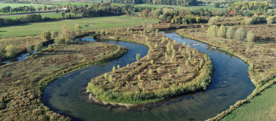 Luftaufnahme von der Lippeschoeife bei Lippetal-Herzfeld.