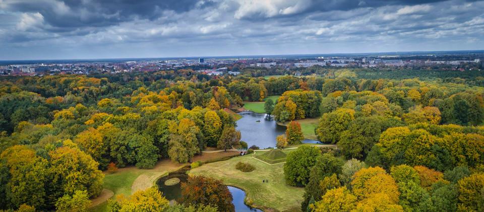 Branitzer Park in Brandenburg, Foto: imago images / Rainer Weisflog