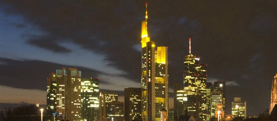 Frankfurter Bankenviertel bei Nacht