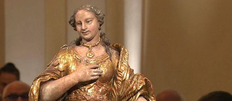 Goldene Heilige. Ob die heiliggesprochene Kaiserin Kunigunde wohl wirklich diesen bezaubernden Silberblick hatte, wie diese fränkische Skulptur von 1690/1700 vermuten lässt? Geschätzter Wert: 5.000 Euro | Bild: Bayerischer Rundfunk
