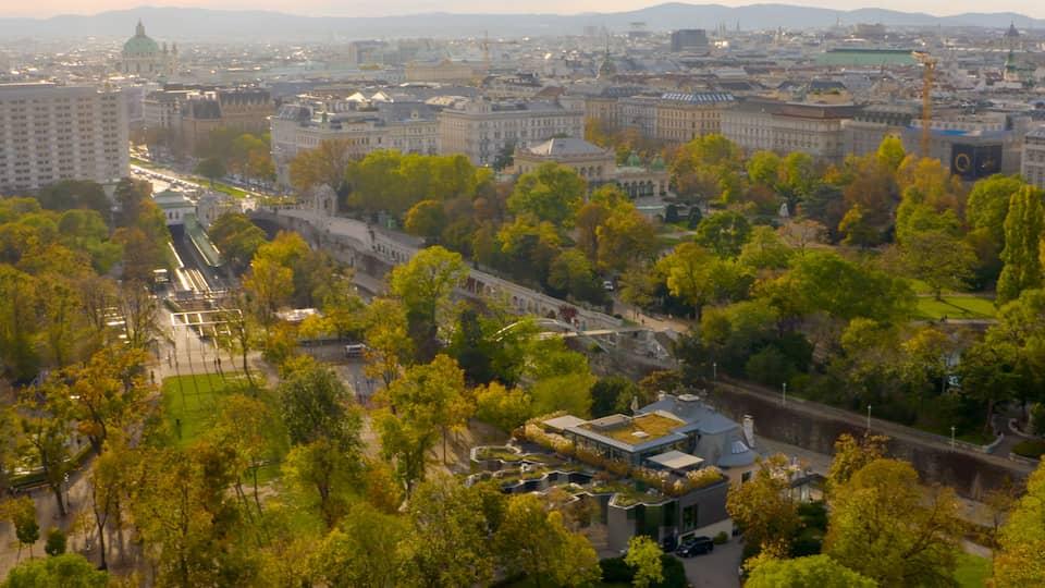 Die Zollamtsbrücke und der Zollamtssteg über den Wienfluss.  | Bild: picture-alliance/dpa