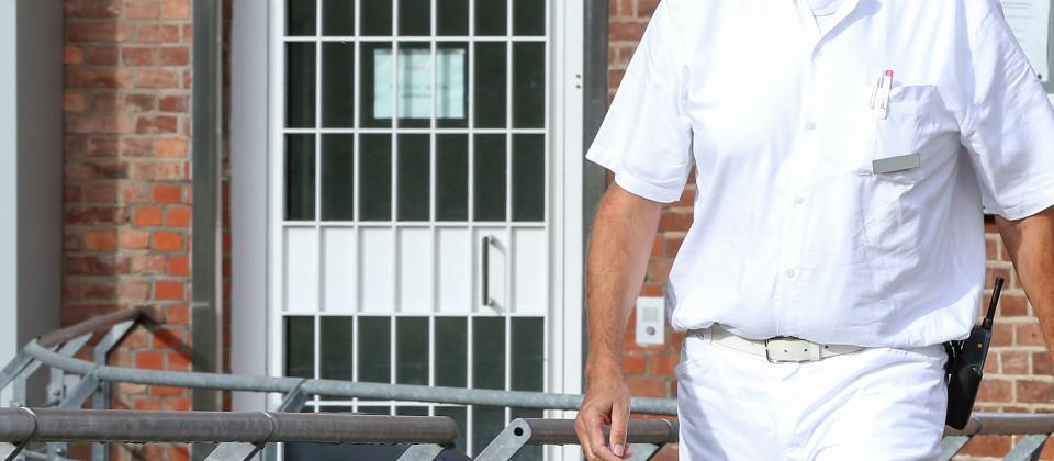 Der Knastarzt: Ein Job hinter Gittern