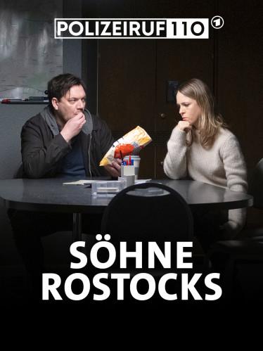 Alexander Bukow (Charly Hübner) bietet Katrin König (Anneke Kim Sarnau) Chips an.