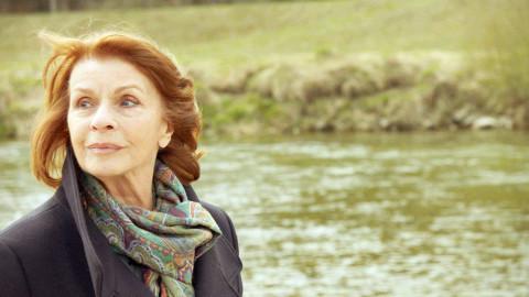 "Senta Berger in der Dokumentation ""Fliegen lernen"""