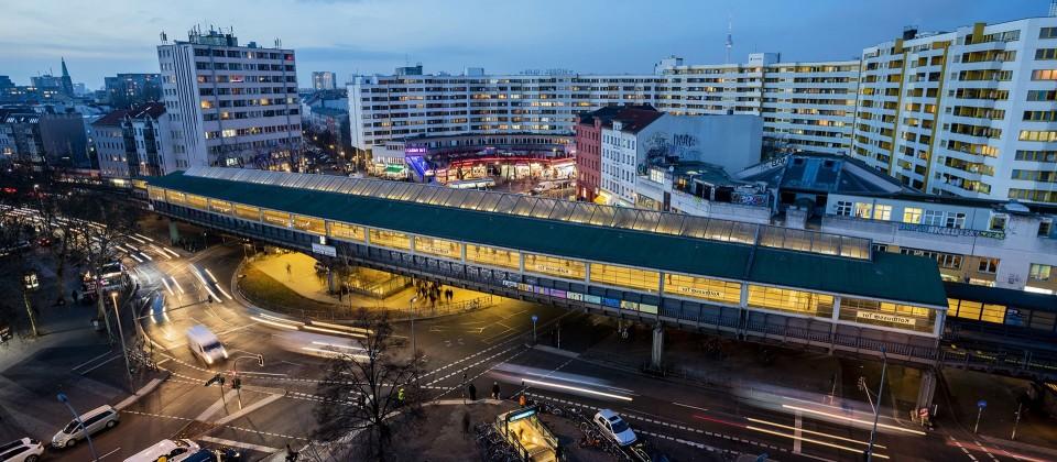Das Kottbusser Tor aus der Vogelperspektive. (Quelle: picture alliance/Christoph Soeder/dpa)